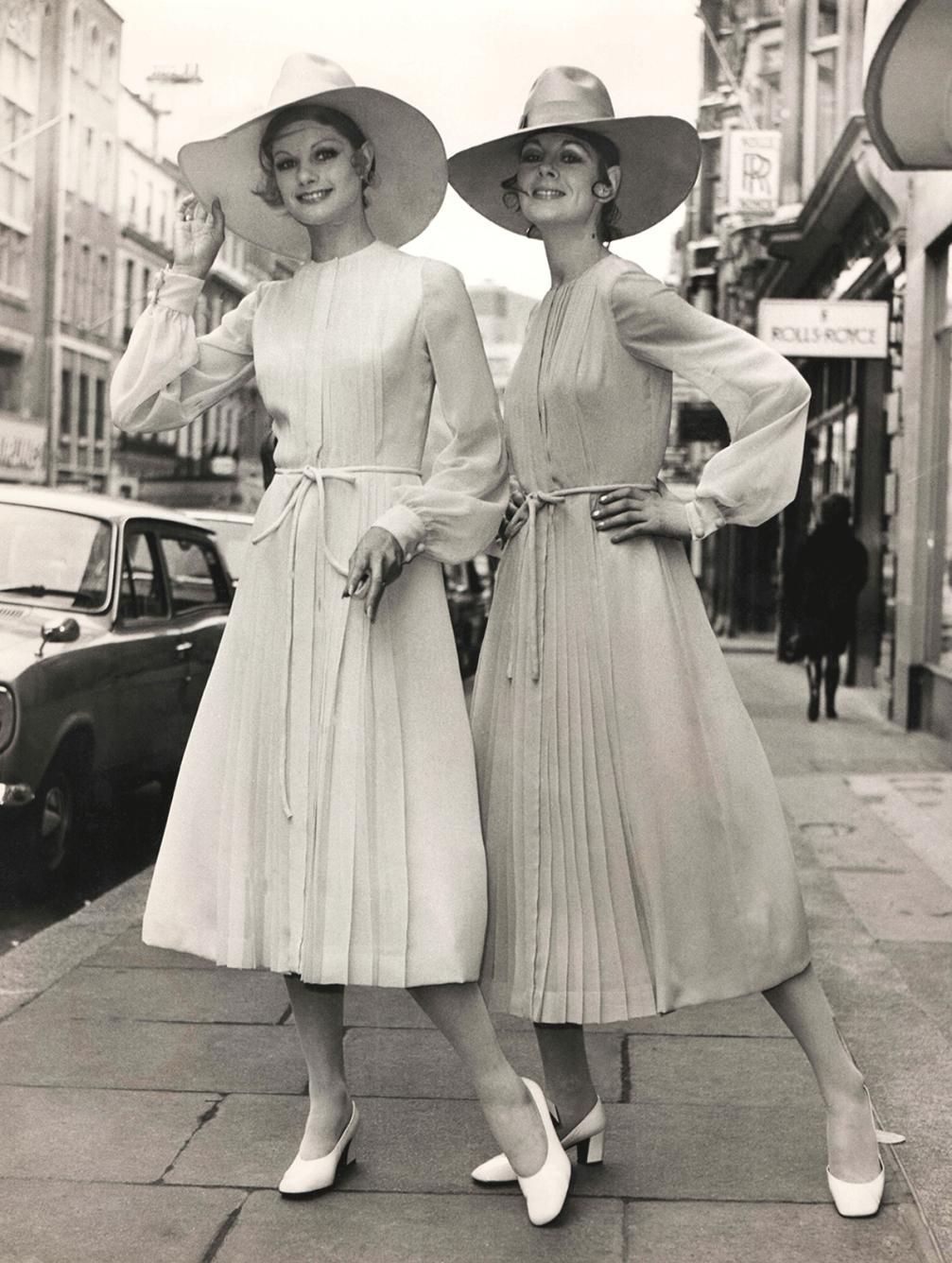 171 Rebellion In A Boudoir 187 1970ies Fashion Fold
